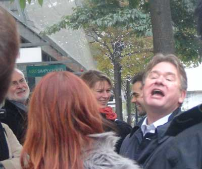 Richard adressing his tour group on Cheapside in London.